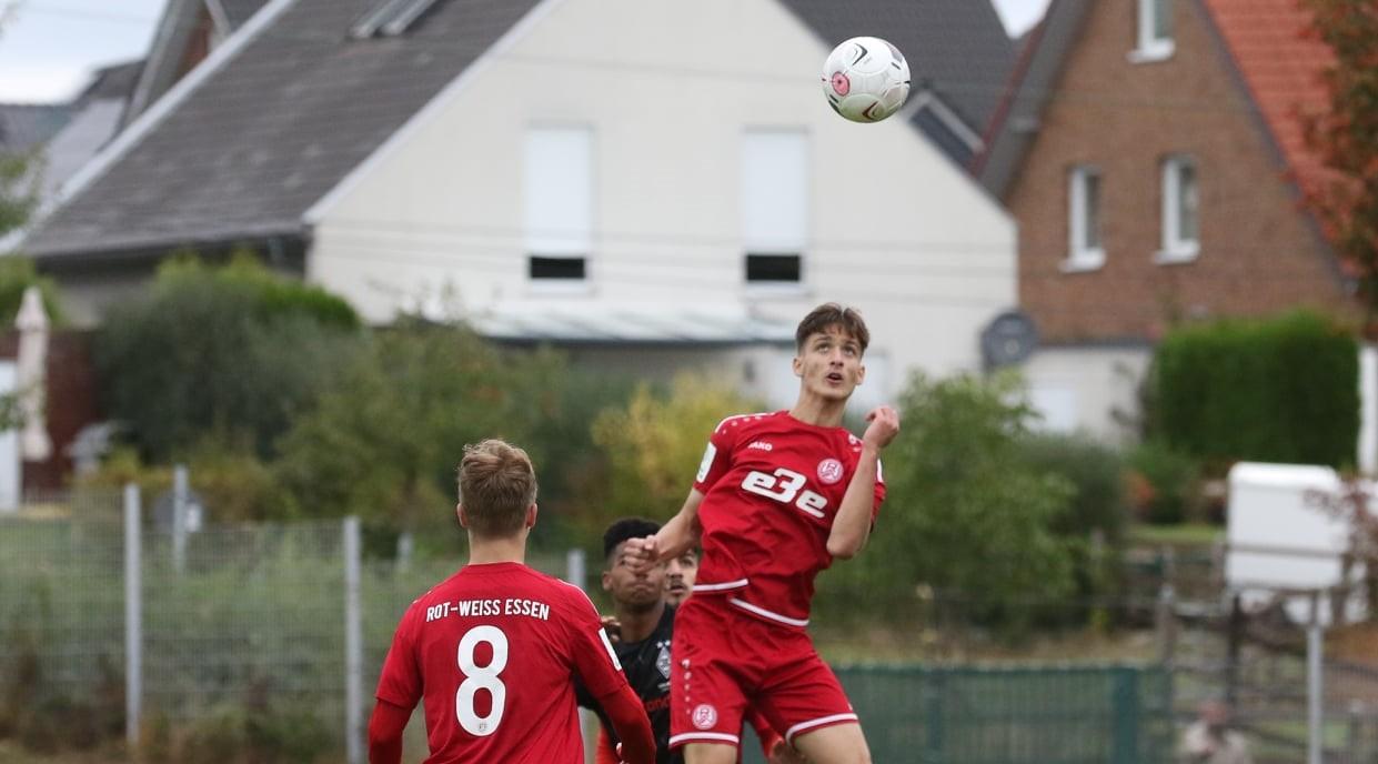 Erfolg für RWE-U17: Die Mannschaft von Simon Hohenberg gewann am Samstag mit 1:0 gegen den BVB. (Archivfoto: Breilmannswiese)