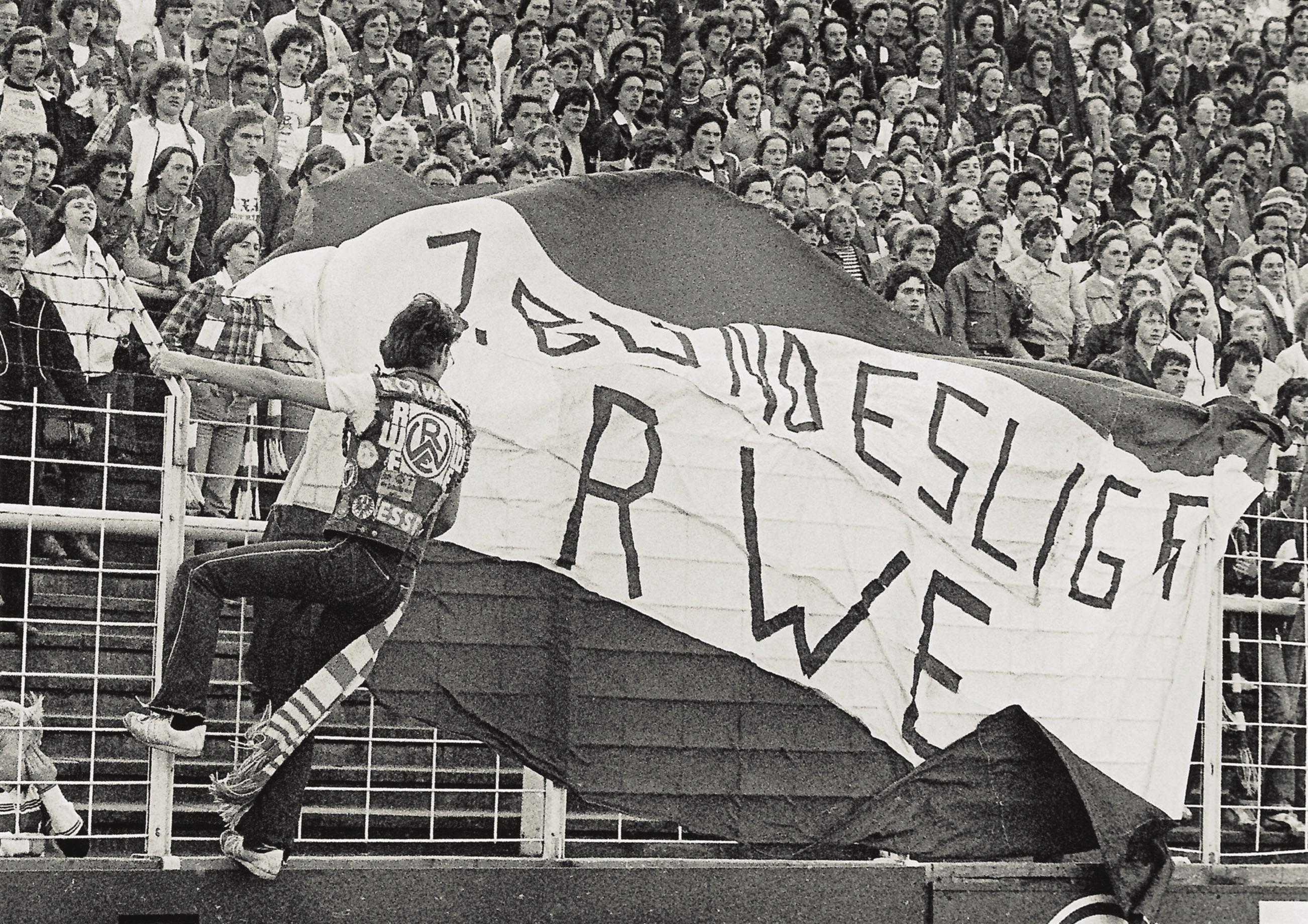Mit Kutte und Fahne in den 1970er Jahren