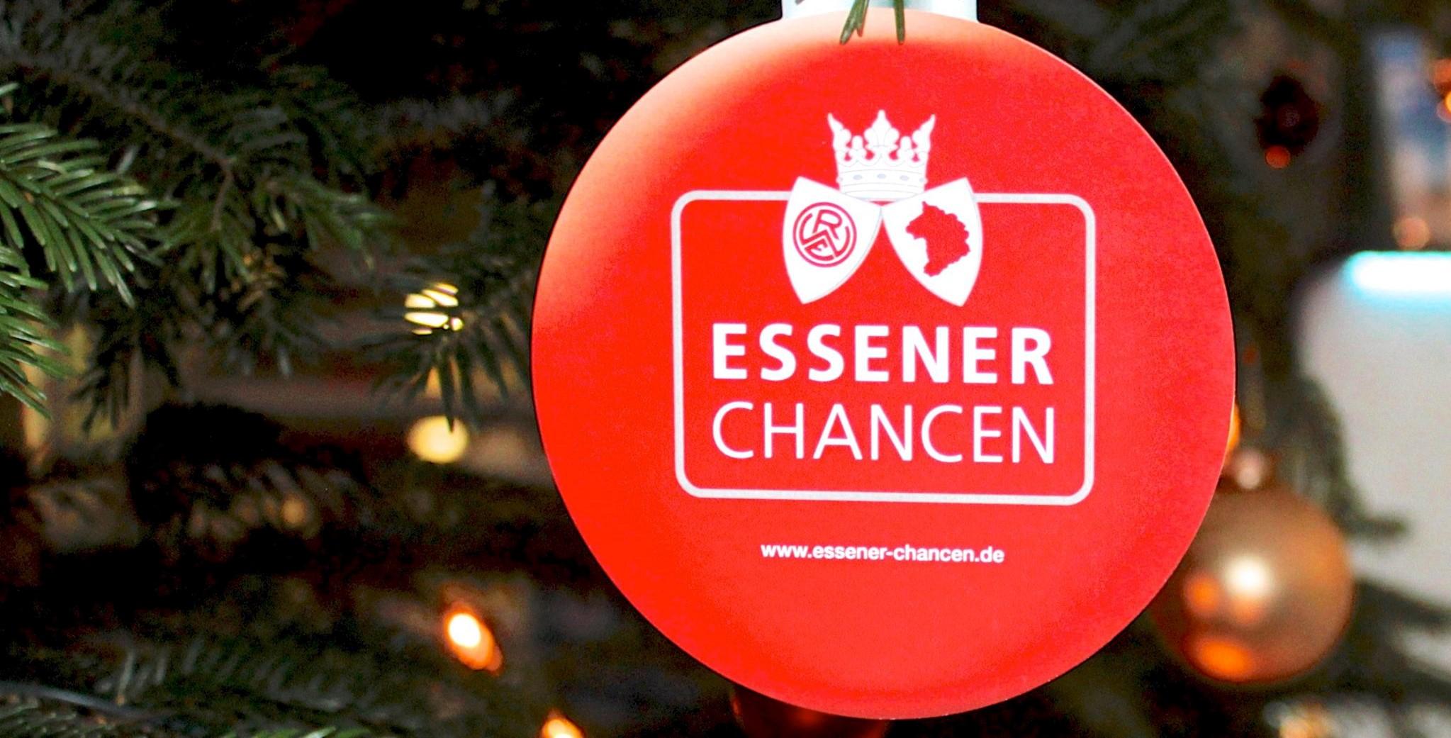 Ab 28. November finden sich überall im Stadtgebiet die Kugeln mit den Kinderträumen. (Foto: Müller)