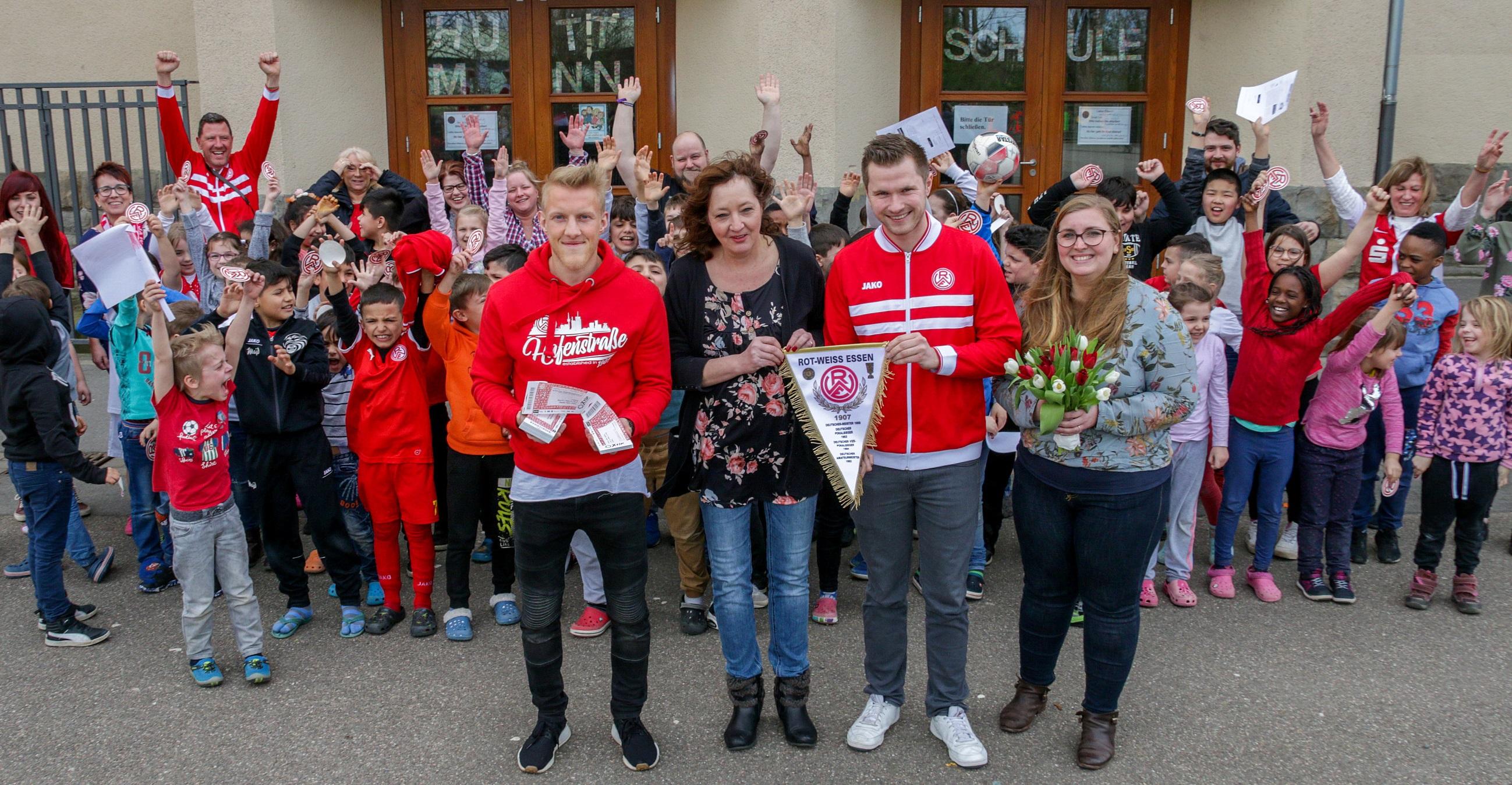 Schöne Premiere für ALLBAU und Essener Chancen: An der Hüttmannschule stieg der erste gemeinsame Rot-Weisse Ganztag. (Foto: Müller/EC)