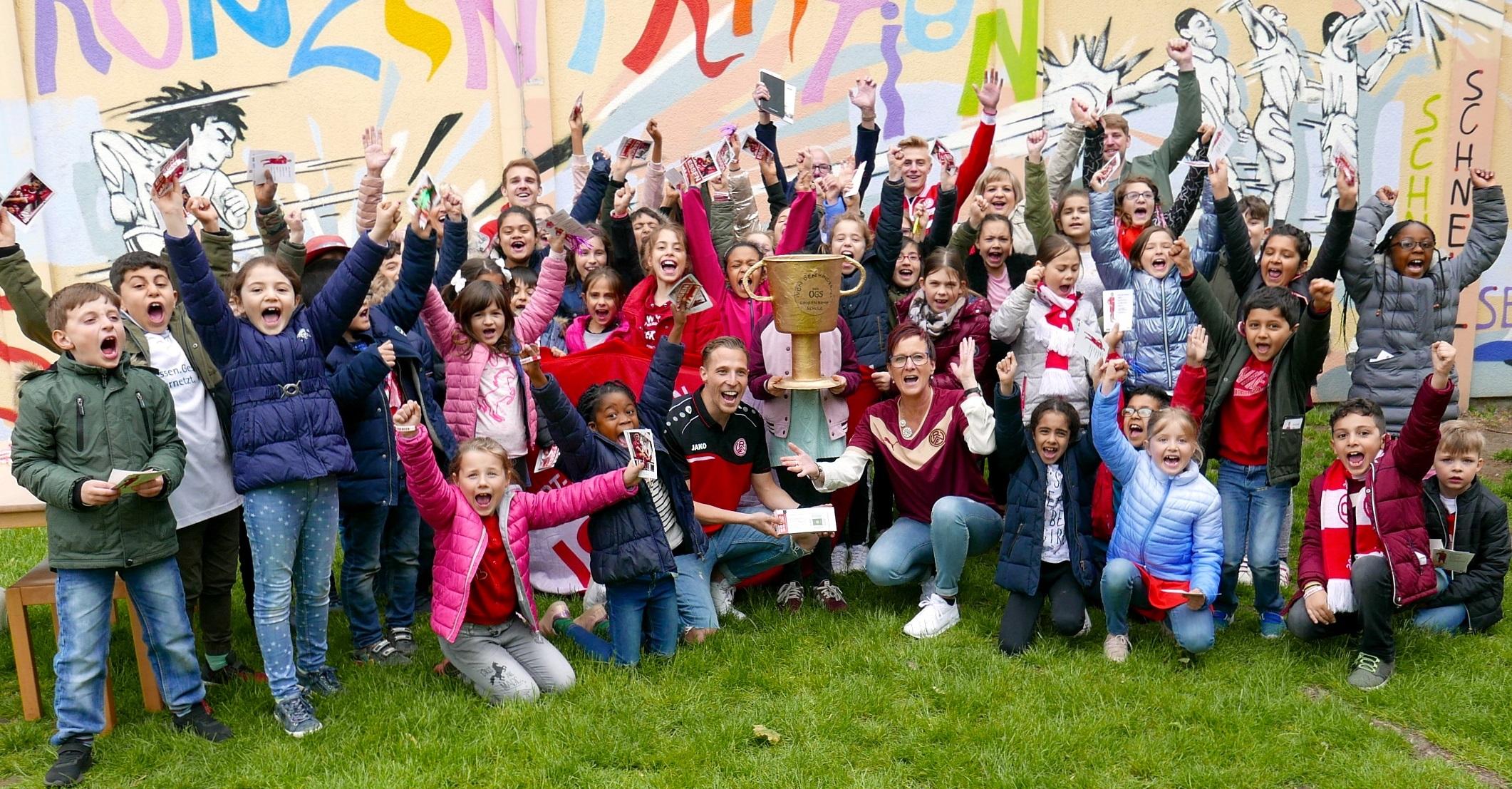 Unter den besten Ganztagsbesuchen: Essener Chancen und Rot-Weiss waren an der Großenbruchschule zu Gast. (Foto: Capitain)