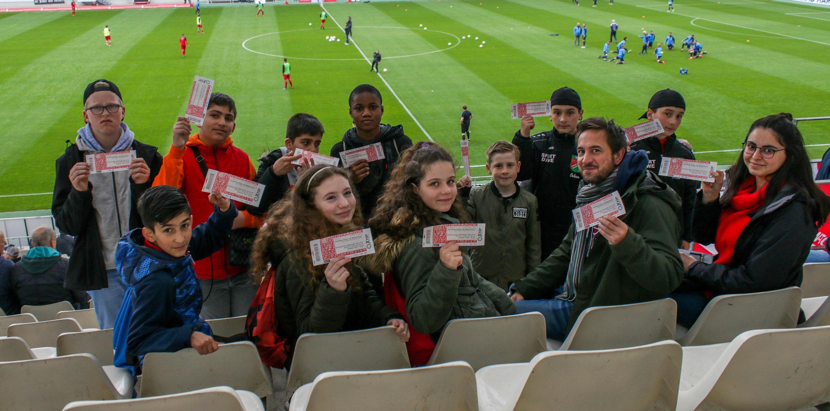 Ein für die Kinder spannender Tag im Stadion. (Foto: Müller/EC)