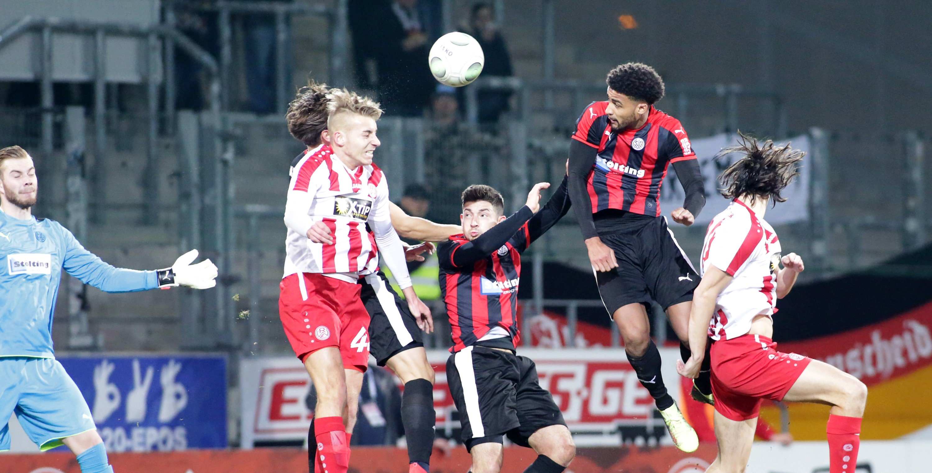 In der Schlussphase gaben die Rot-Weissen gegen die SG Wattenscheid den Sieg aus der Hand. (Foto: Endberg)