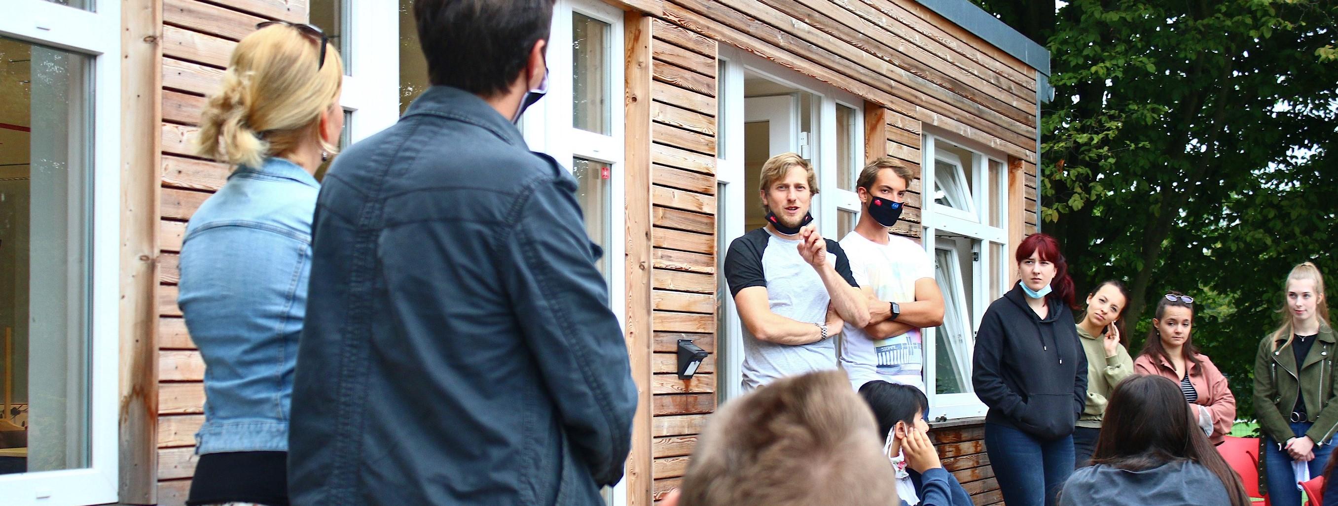 Gut vorbereitet in die nächste Stufe: In den letzten beiden Ferienwochen fand am Lernort Seumannstraße für ein gutes Dutzend Jugendlicher die Sommerschule statt. (Foto: Müller/EC)