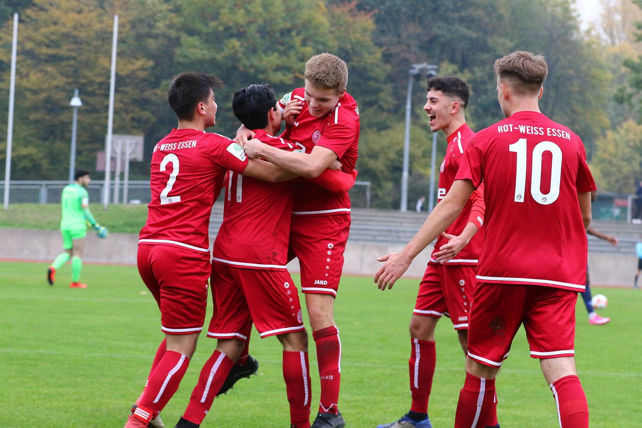 Die rot-weisse U19 fährt am Wochenende nach Dortmund. Ob ihr der gleiche Überraschungscoup gelingt wie der dort erfolgreichen U17? (Foto: Breilmannswiese)