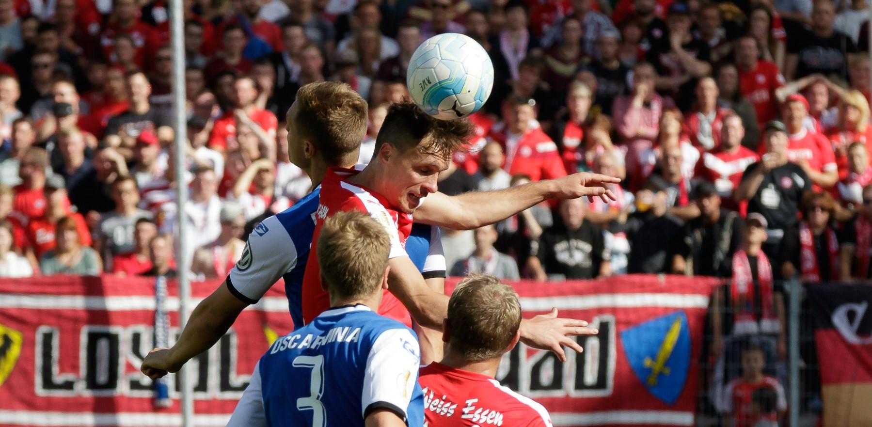 In der vergangenen Saison standen sich die beiden Traditionsvereine im DFB-Pokal gegenüber. (Foto: Tillmann)