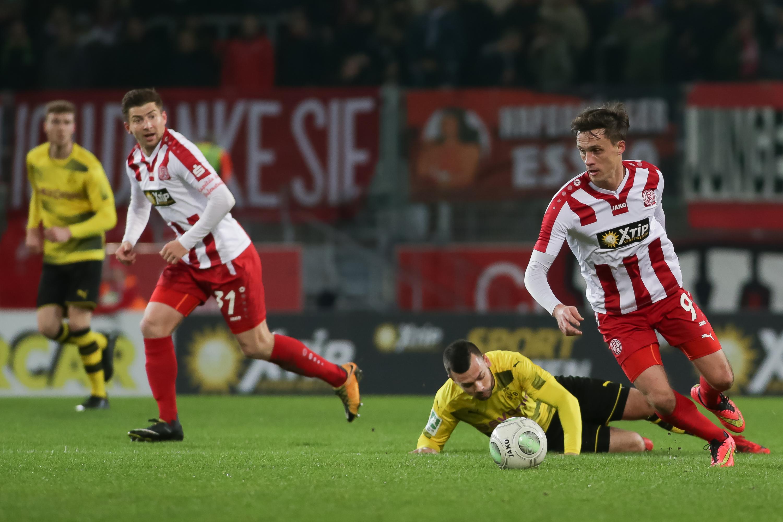 Das Testspiel gegen die zweite Mannschaft von Borussia Dortmund findet unter Ausschluss der Öffentlichkeit statt. (Foto: Endberg)