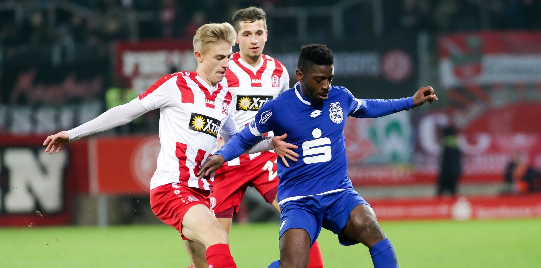Zeit für eine Revanche: In der vergangenen Saison unterlagen die Rot-Weissen an der Hafenstraße mit 0:1. (Foto: Endberg)