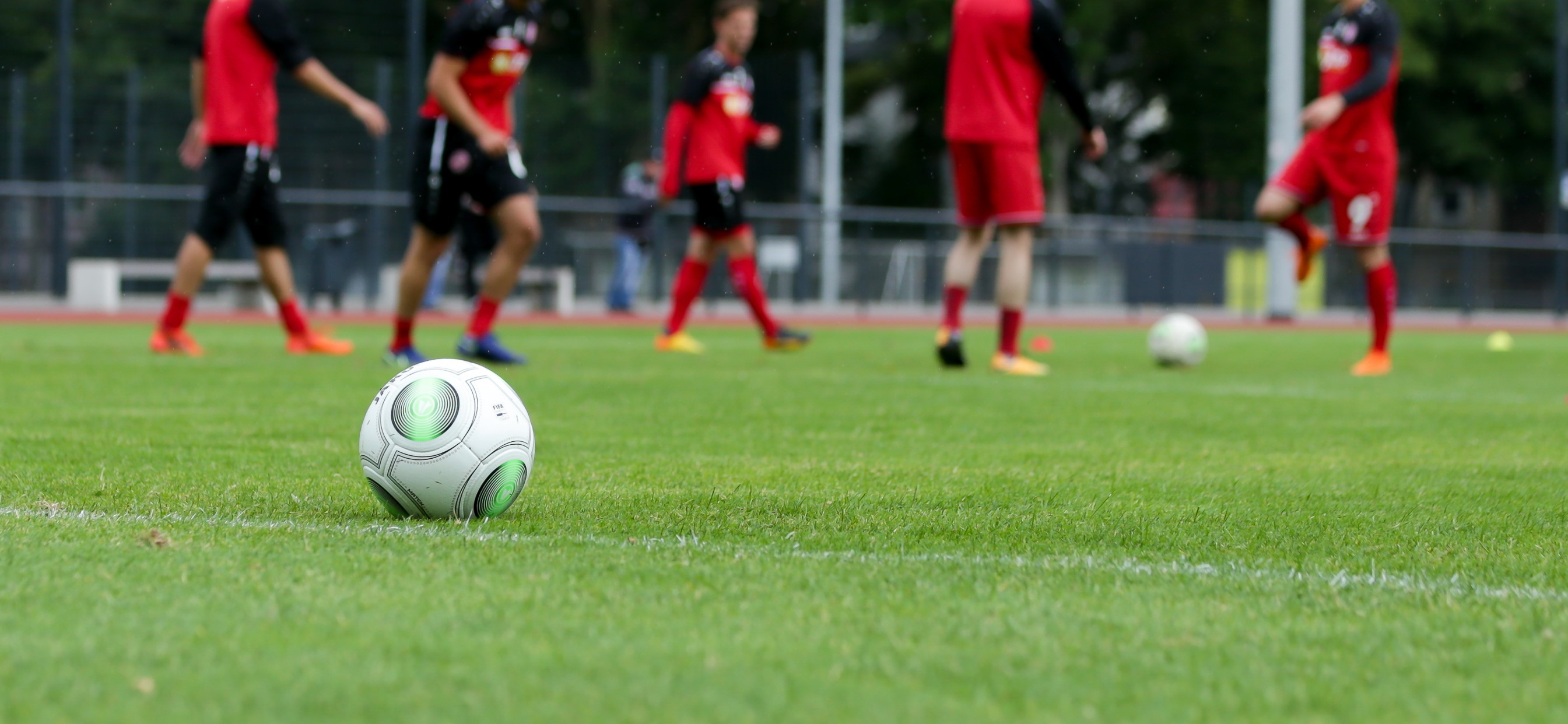 Die rot-weisse Mannschaft steigt am 17. Juni wieder in das Training nach der Sommerpause ein. (Foto: Endberg)