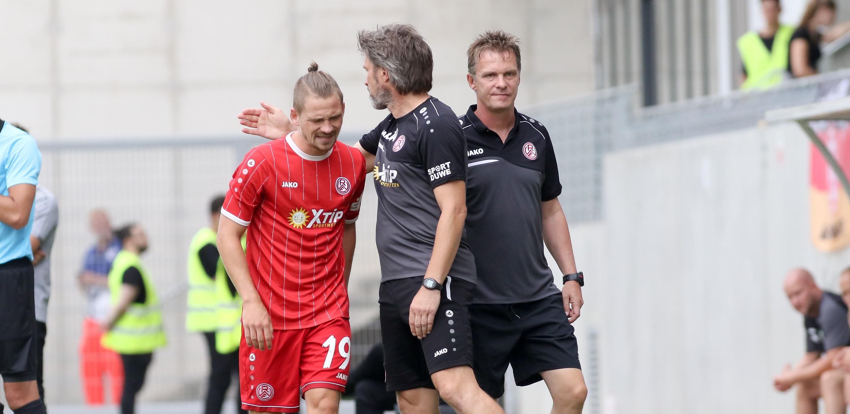 Kevin Freiberger musste den Platz in Rödinghausen bereits nach wenigen Minuten verletzungsbedingt verlassen. (Foto: Endberg)