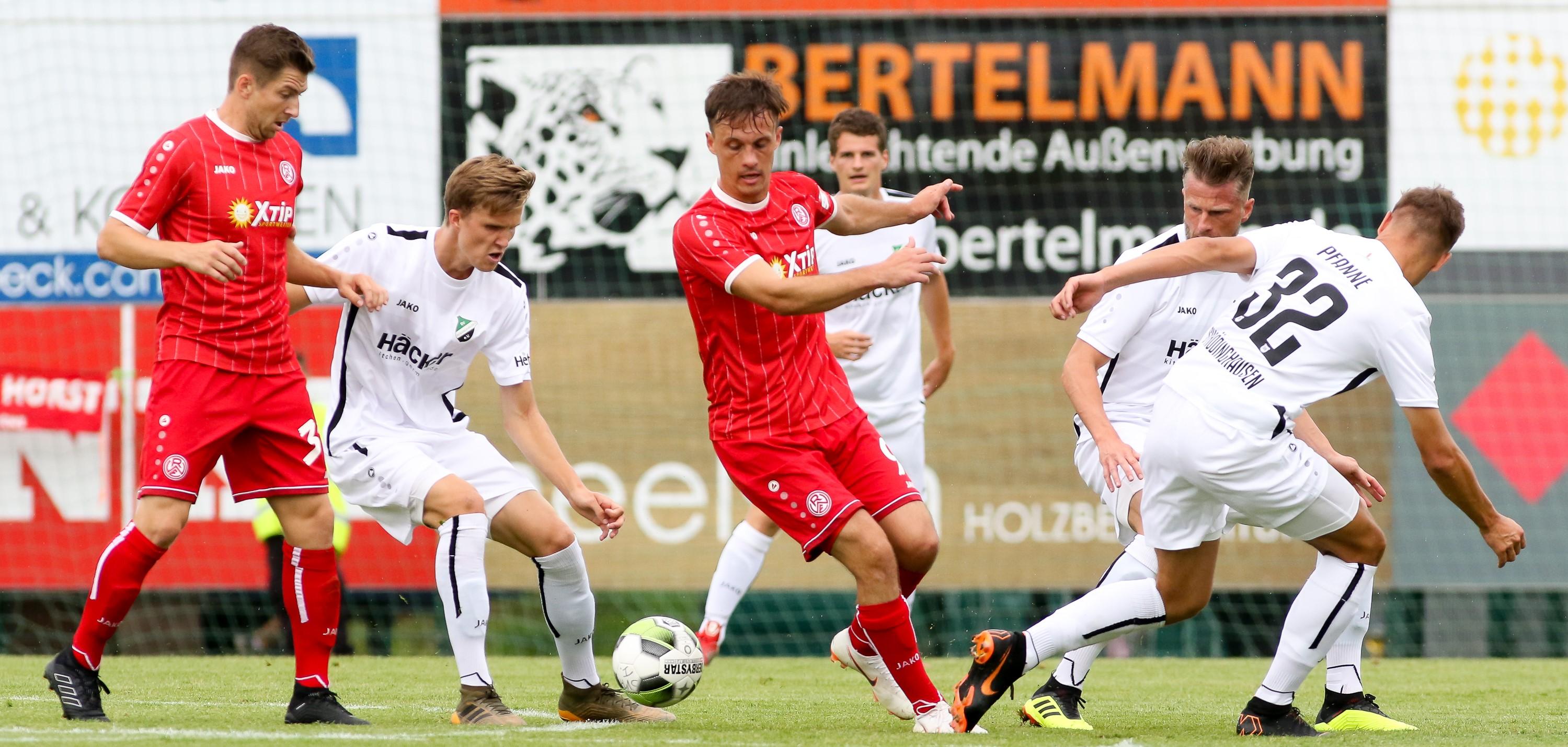 Im Hinspiel unterlagen die Rot-Weissen knapp mit 1:2. (Foto: Endberg)