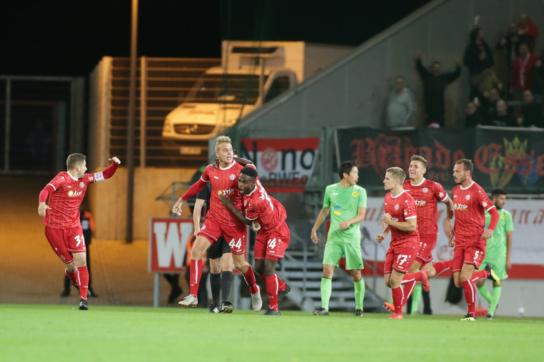 In der Schlussphase verwandelten die Rot-Weissen ein 0:2 in ein 2:2. (Foto: Endberg)