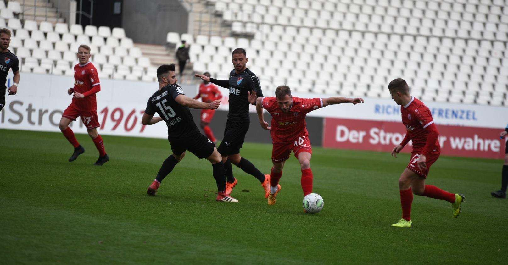 RWE spielte gut, letztendlich fehlte gegen den Südwest-Regionalligisten TSV Steinbach ein Tor. (Foto: Rotzoll)