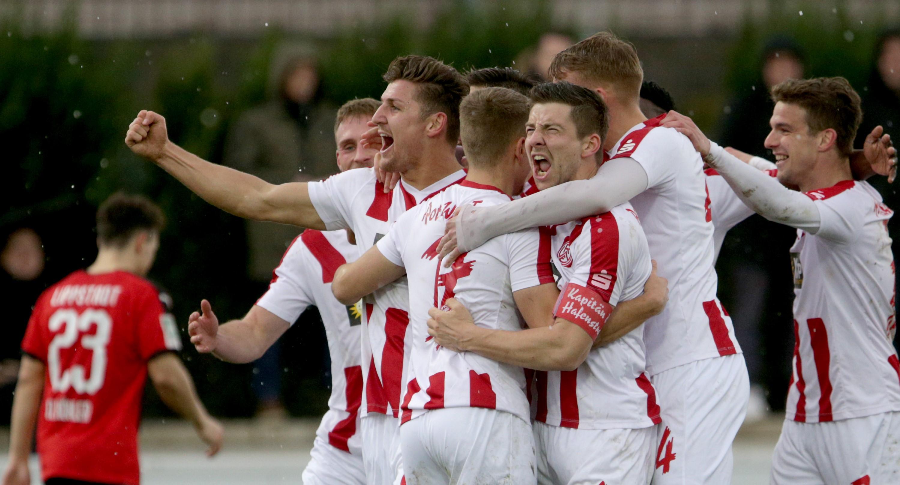 Starker Auftritt! Mit 3:0 schlugen die Rot-Weissen heute den SV Lippstadt. (Foto: Endberg)