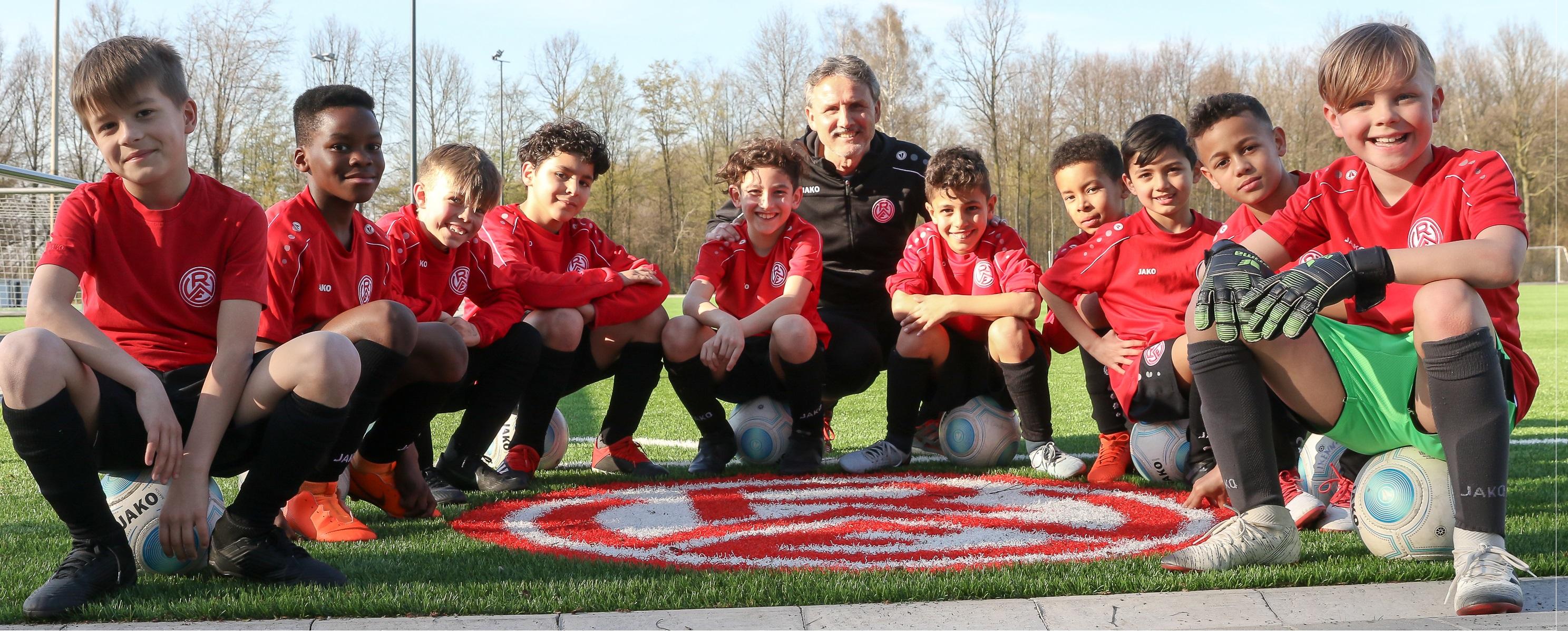 Jetzt für das Herbstferien-Fußballcamp anmelden – Rot-Weiss Essen