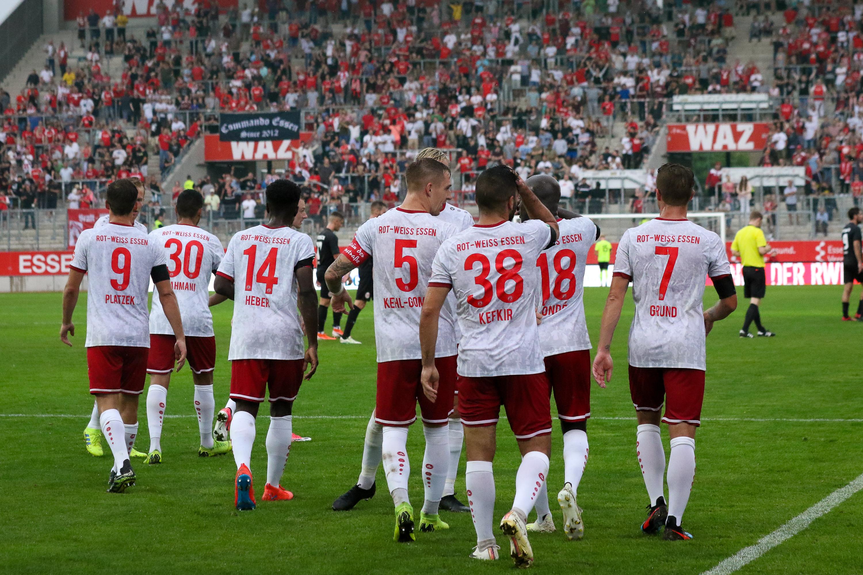 Am Samstag testen die Rot-Weissen gegen die Sportfreunde Baumberg. (Foto: Endberg)