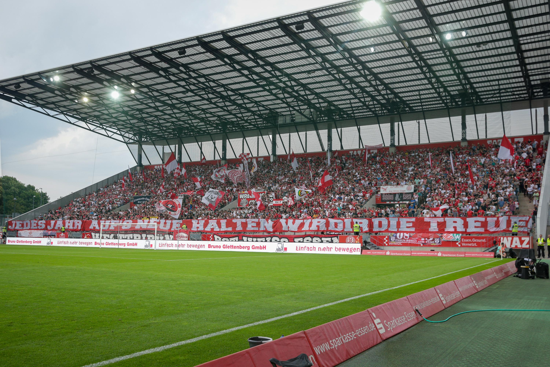 Noch bis zum 31. Januar können sich RWE-Fans die Restrundendauerkarte sichern. (Foto:Endberg)