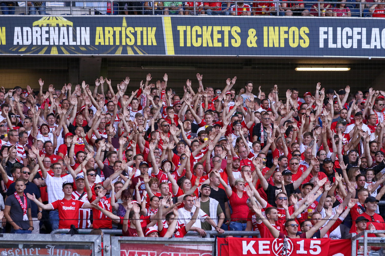 Gegen Burgaltendorf öffnet der Stehplatzbereich der Gäste für RWE-Fans. (Foto:Endberg)