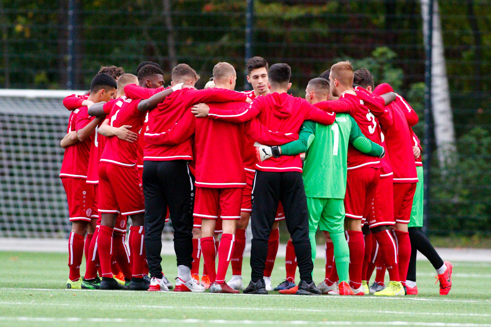 Die rot-weisse U19 bekommt es am Wochenende mit dem 1. FC Mönchengladbach zu tun. (Foto: Breilmanns Wiese)