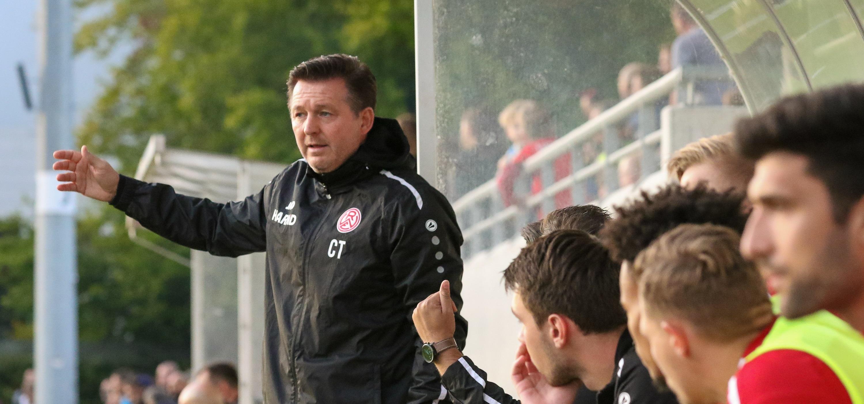 Chef-Trainer Christian Titz reist morgen mit seiner Mannschaft nach Düsseldorf. (Foto: Endberg)