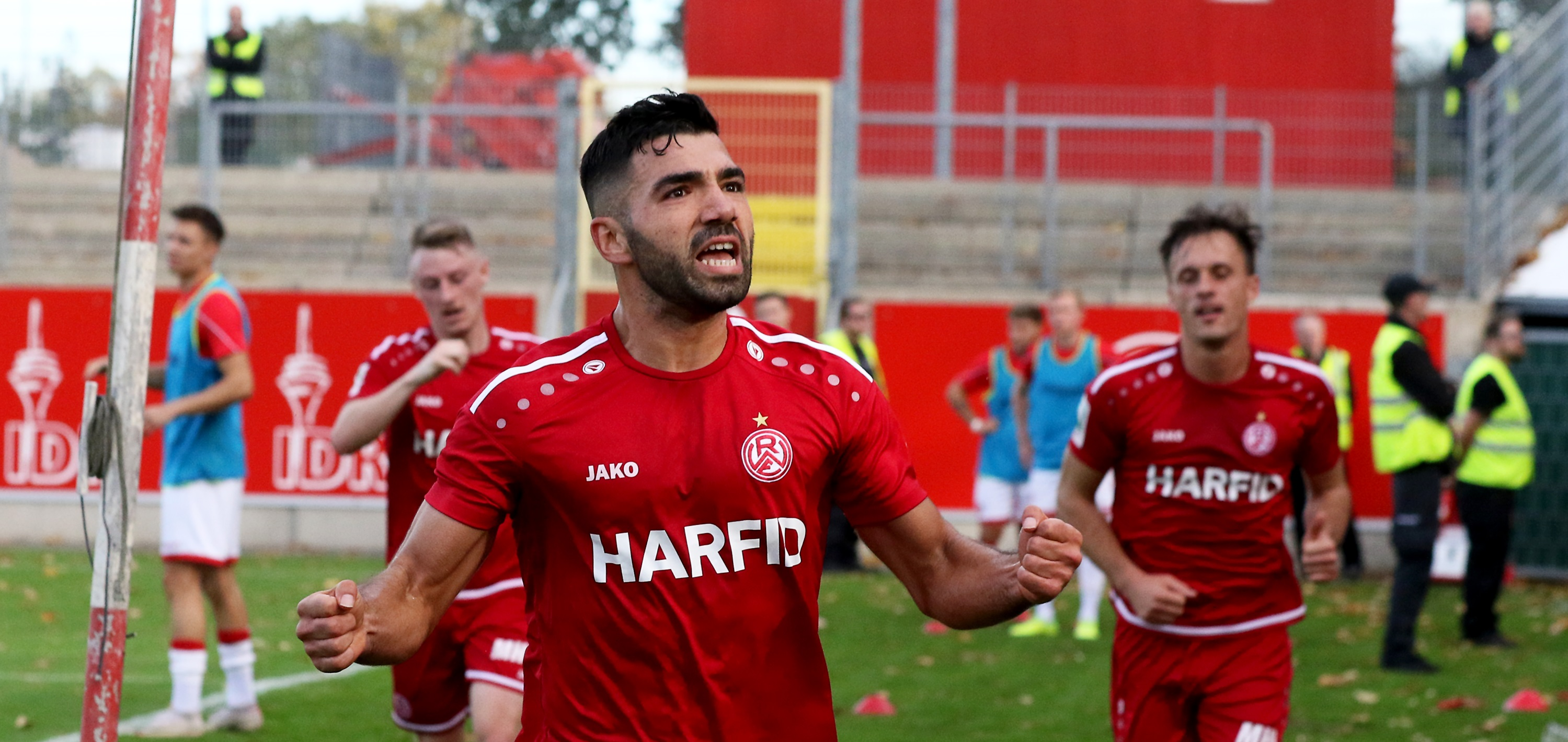 Oguzhan Kefkir bejubelt das entscheidende 1:0. (Foto: Endberg)