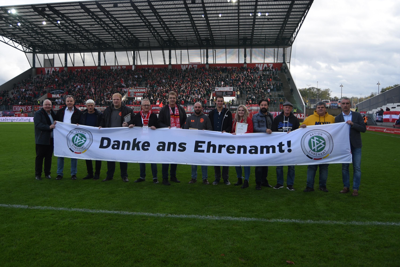 Rot-Weiss Essen bedankt sich bei allen Ehrenamtlichen. (Foto: Endberg)
