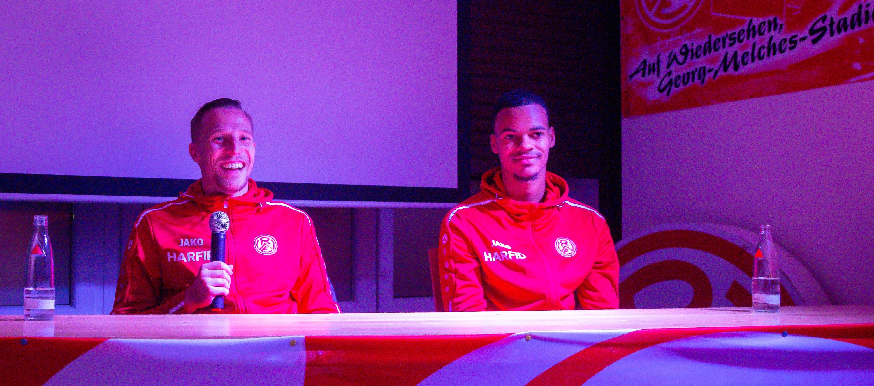 Florian Bichler und Ayodele Adetula stellten sich den Fragen der Fans. (Foto:Endberg)