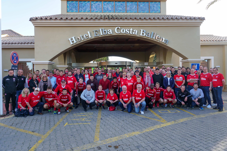 Die rot-weisse Reisegruppe ist zurück in Essen.