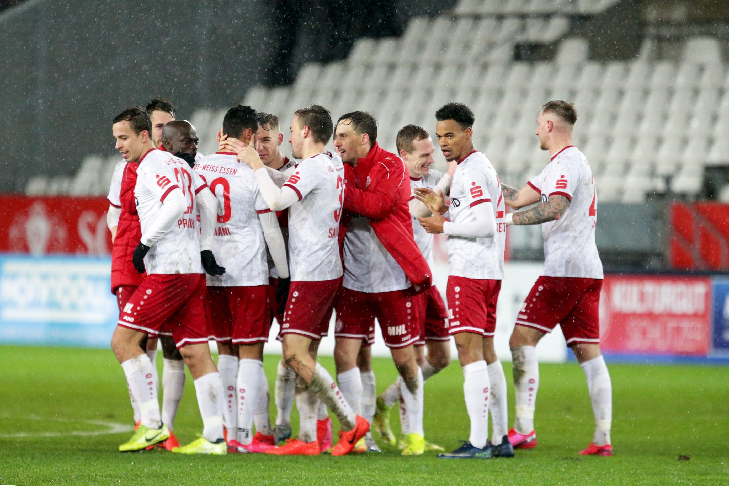 Durch eine starke Teamleistung drehten die Rot-Weissen die Partie gegen den SV Lippstadt. (Foto: Endberg)
