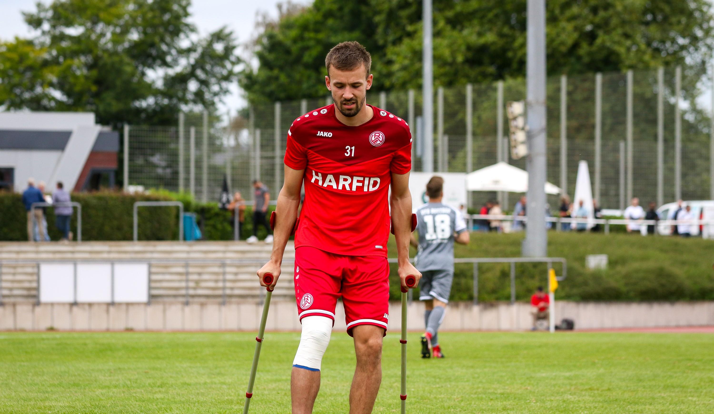 Im Spiel gegen den VfB Bottrop erlitt David Sauerland einen Riss des vorderen Kreuzbandes im rechten Knie.