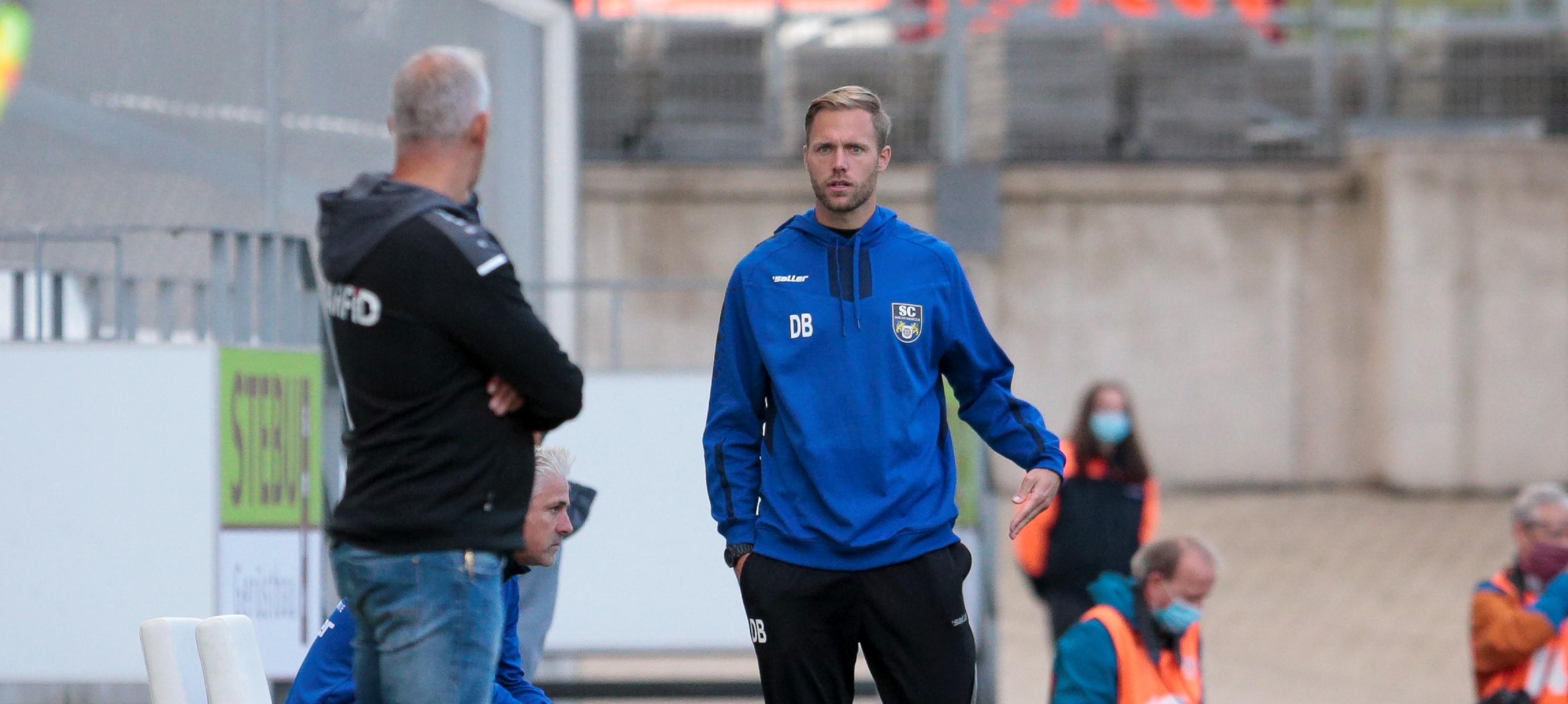 Daniel Brinkmann (r.), hier mit RWE-Chef-Trainer Christian Neidhart, lieferte mit dem SC Wiedenbrück eine solide Hinrunde ab. (Foto: Endberg)