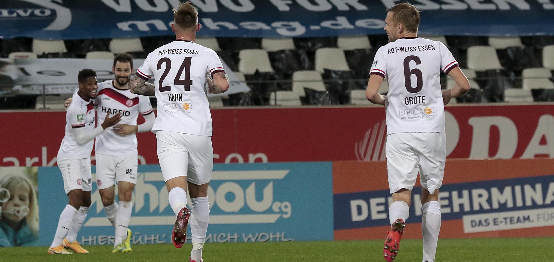 Grund zu Lachen gab's genug: RWE besiegt den WSV mit 6:1. (Foto: Endberg)