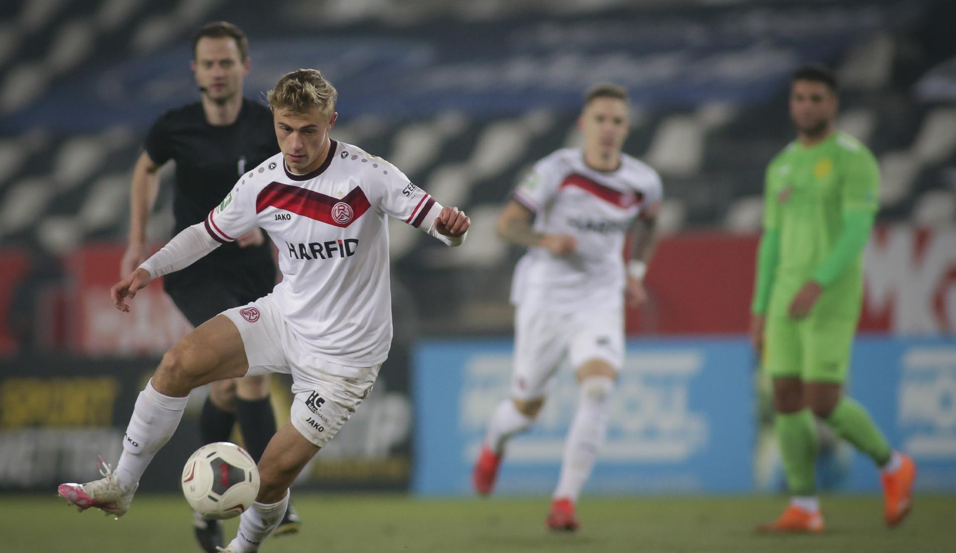 Kennt die Werkself: Cedric Harenbrock hat neun lange Jahre das Trikot der Leverkusener getragen. (Foto: Endberg)