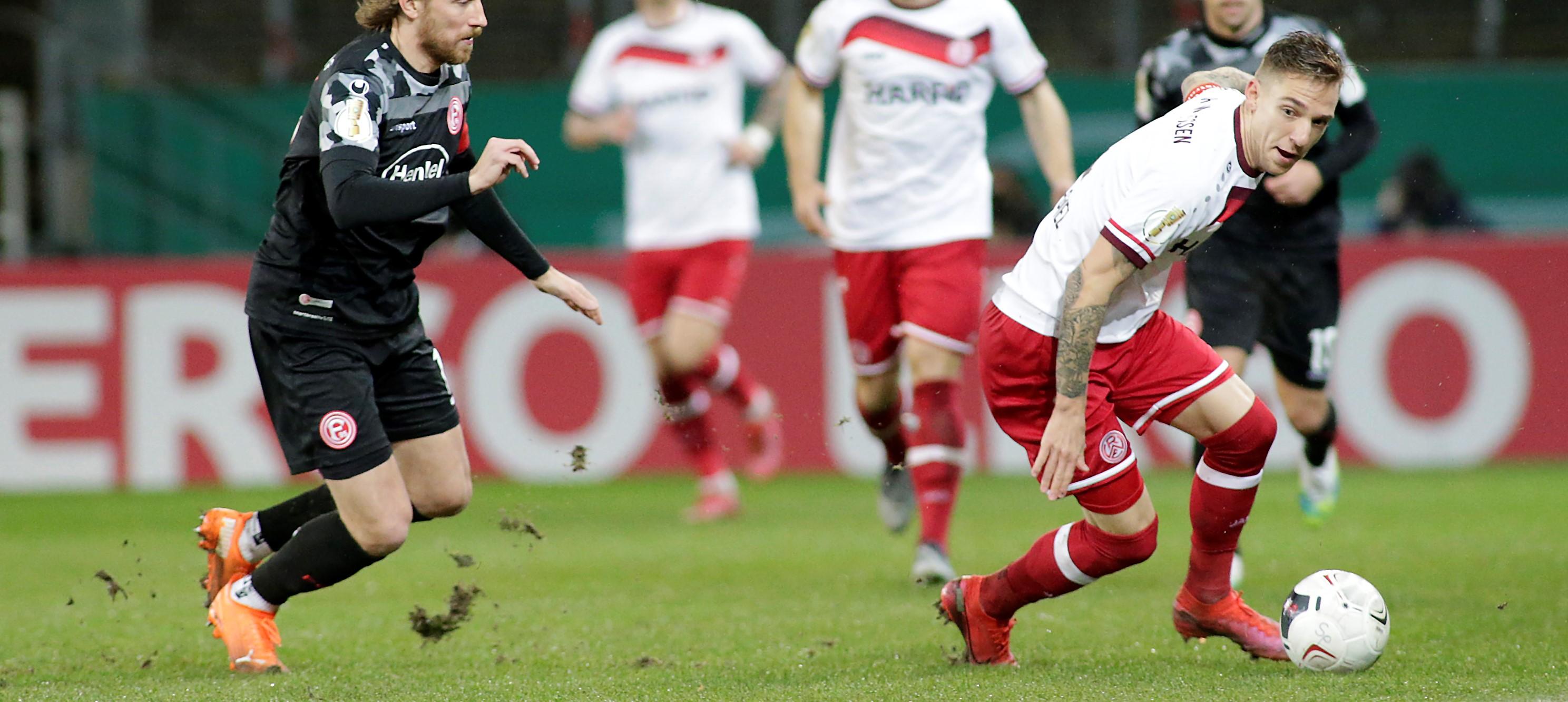 Kompakt zum Sieg: Umkämpfter Fußballabend zwischen RWE und Düsseldorf. (Foto: Endberg)