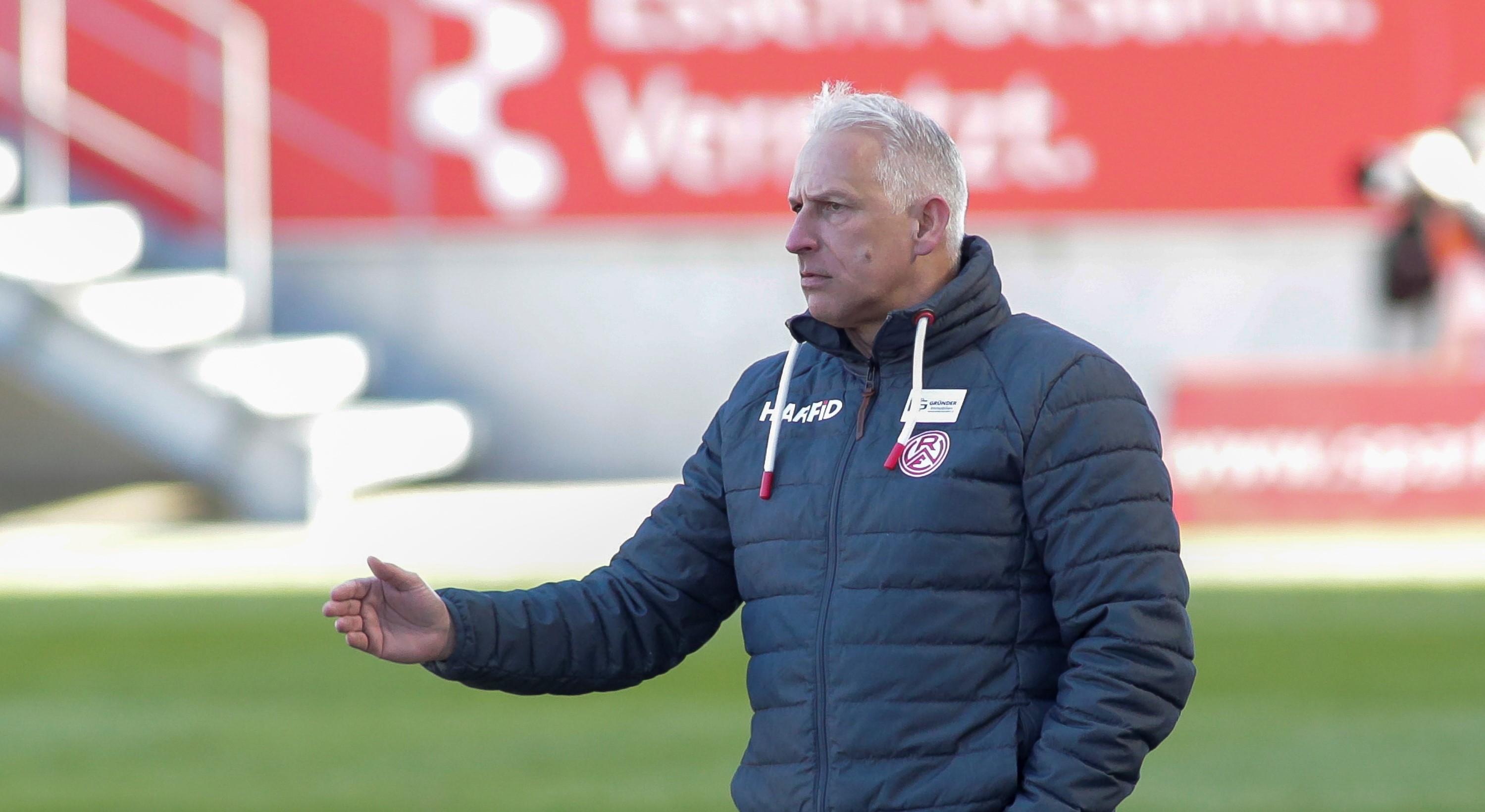 Alles auf Sieg: RWE-Chef-Trainer Christian Neidhart hat mit seiner Mannschaft zwei Heimspiele vor der Brust. (Foto: Endberg)