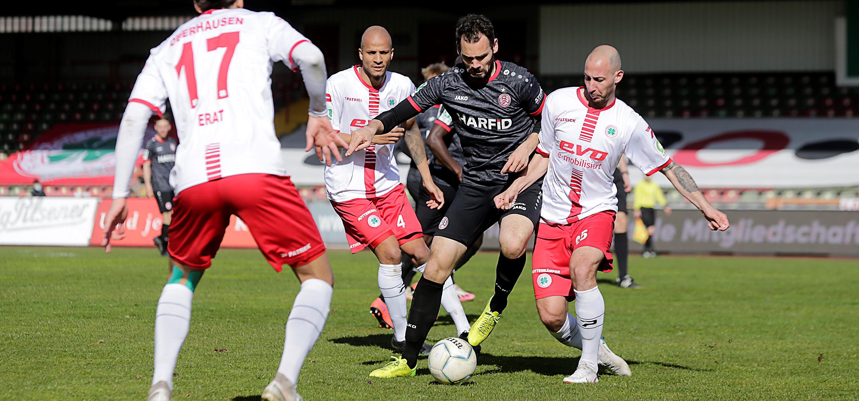 Mehr als sieben Monate nach der 1. Runde geht es für Rot-Weiss Essen im Niederrheinpokal gegen RWO weiter. (Foto: Endberg)