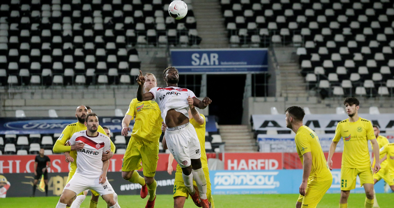 Flutlicht-Serie: Die letzten drei Hafenstraßen-Spiele fanden für den SV Straelen allesamt unter Flutlicht statt. (Foto: Endberg)