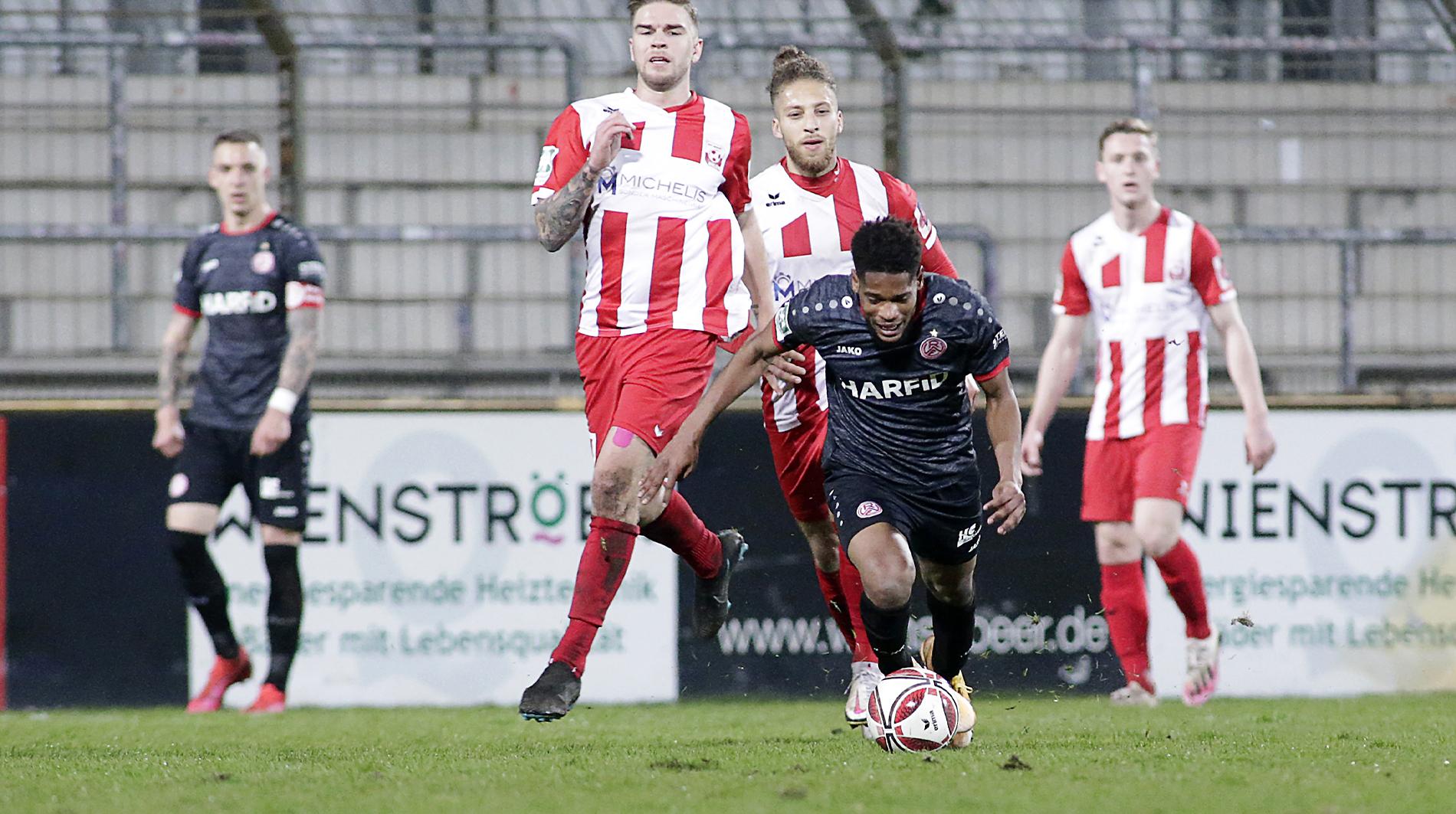 Am Ende wollte er nicht aus dem Spiel rein: RWE unterliegt mit 1:2 gegen Ahlen. (Foto: Endberg)