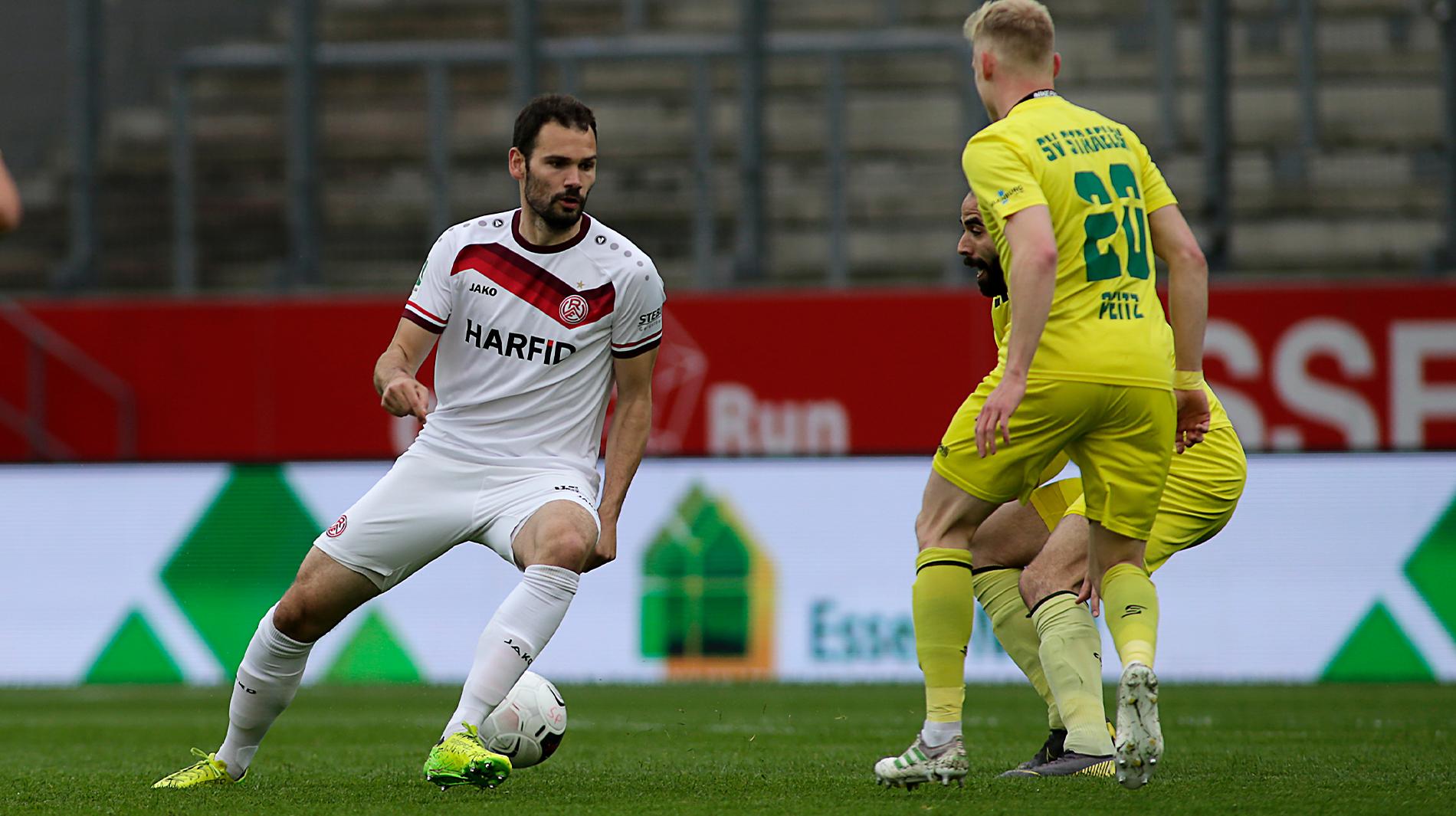 Simon Engelmanns Treffer zum zwischenzeitlichen 1:0 reichte nicht für das Weiterkommen im Niederrheinpokal. (Foto: Endberg)
