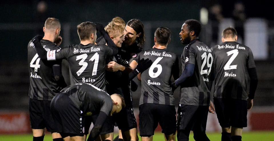 Mit einem 2:0-Sieg verabschiedeten sich die Rot-Weissen in die Winterpause. (Foto: Tillmann)