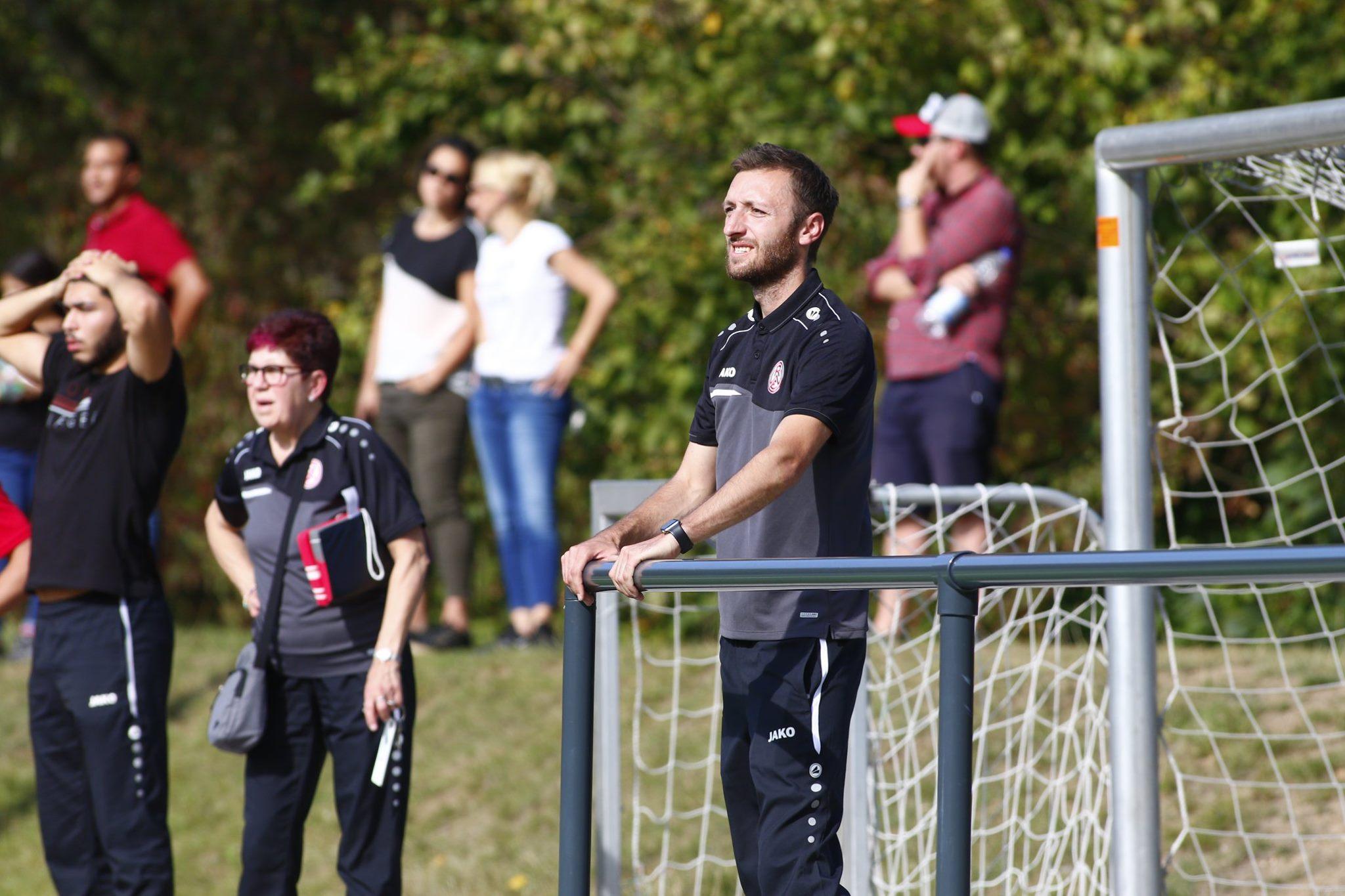 Mund abwischen, weitermachen: Am kommenden Sonntag, 11 Uhr, steht für die rot-weisse U19 das schwere Auswärtsspiel beim aktuellen Staffelsieger 1. FC Köln auf dem Programm. (Foto: Breilmannswiese)