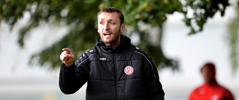 Trainer Damian Apfeld kann mit der Leistung seiner Mannschaft zufrieden sein. (Foto: Tillmann)