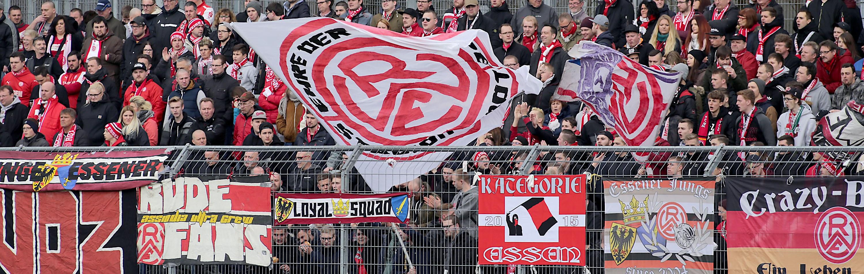 Am kommenden Samstag trifft RWE im Waldstadion auf Wegberg-Beeck. (Foto: Endberg)