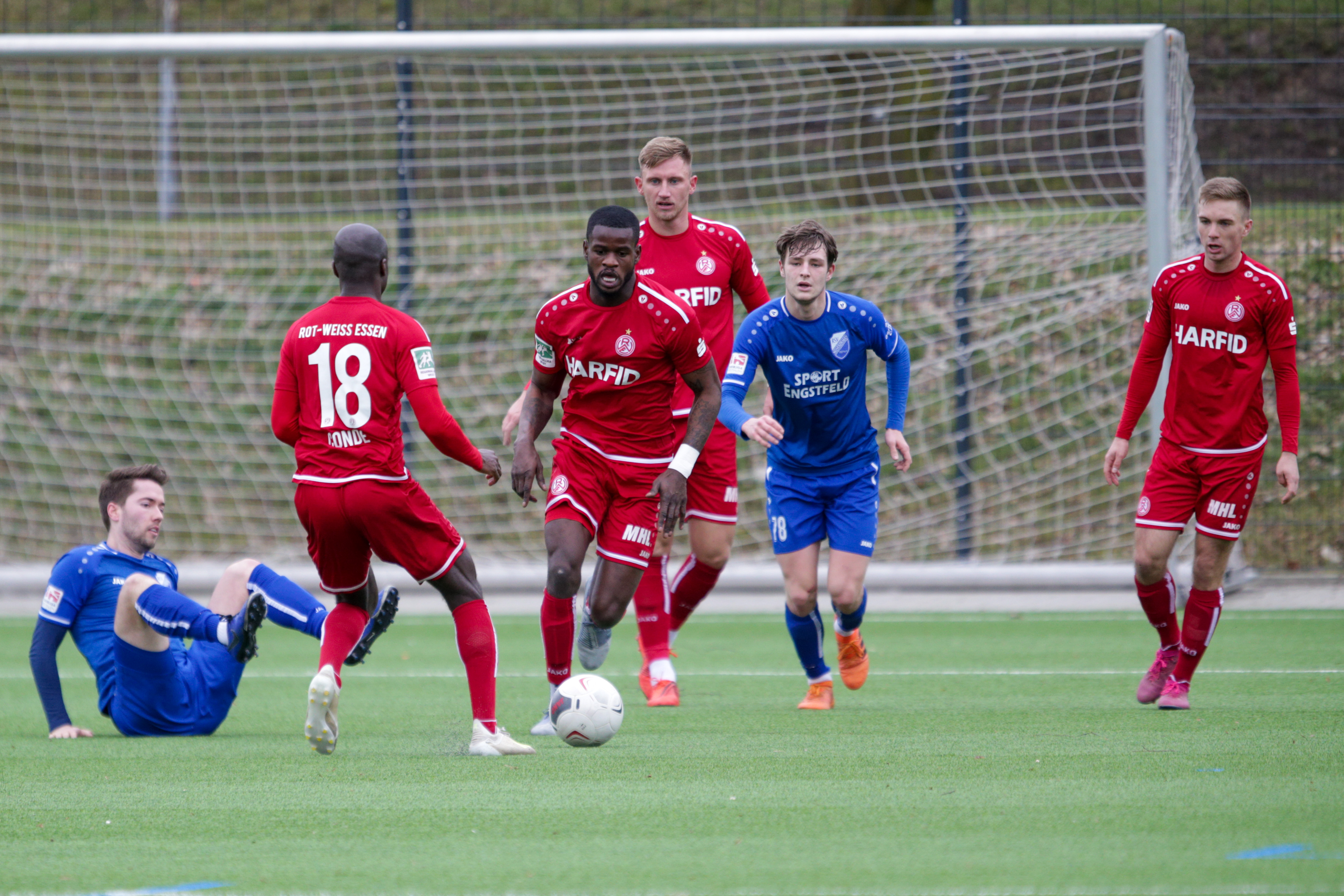 Die Rot-Weissen entschieden das Testspiel gegen den RSV Meinerzhagen klar für sich. (Foto: Endberg)