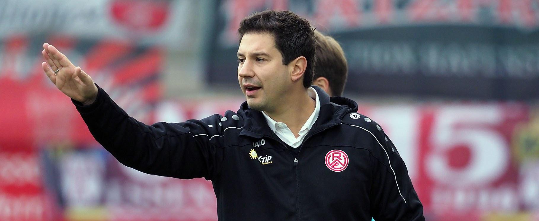 RWE-Chef-Trainer Argirios Giannikis im Interview vor dem Spiel gegen den FC Wegberg-Beeck.