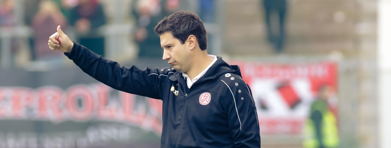 RWE-Trainer Argirios Giannikis im Interview vor dem Heimspiel gegen den KFC Uerdingen. (Foto: Endberg)