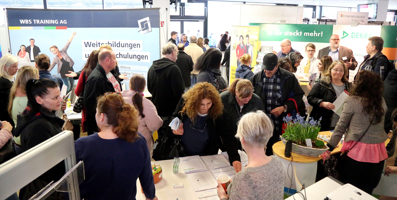 Gut aufgestellt für den neuen Job: Am 8. März steigt die dritte Job- und Weiterbildungsmesse im Stadion Essen. (Foto: W.I.R. e.V.)