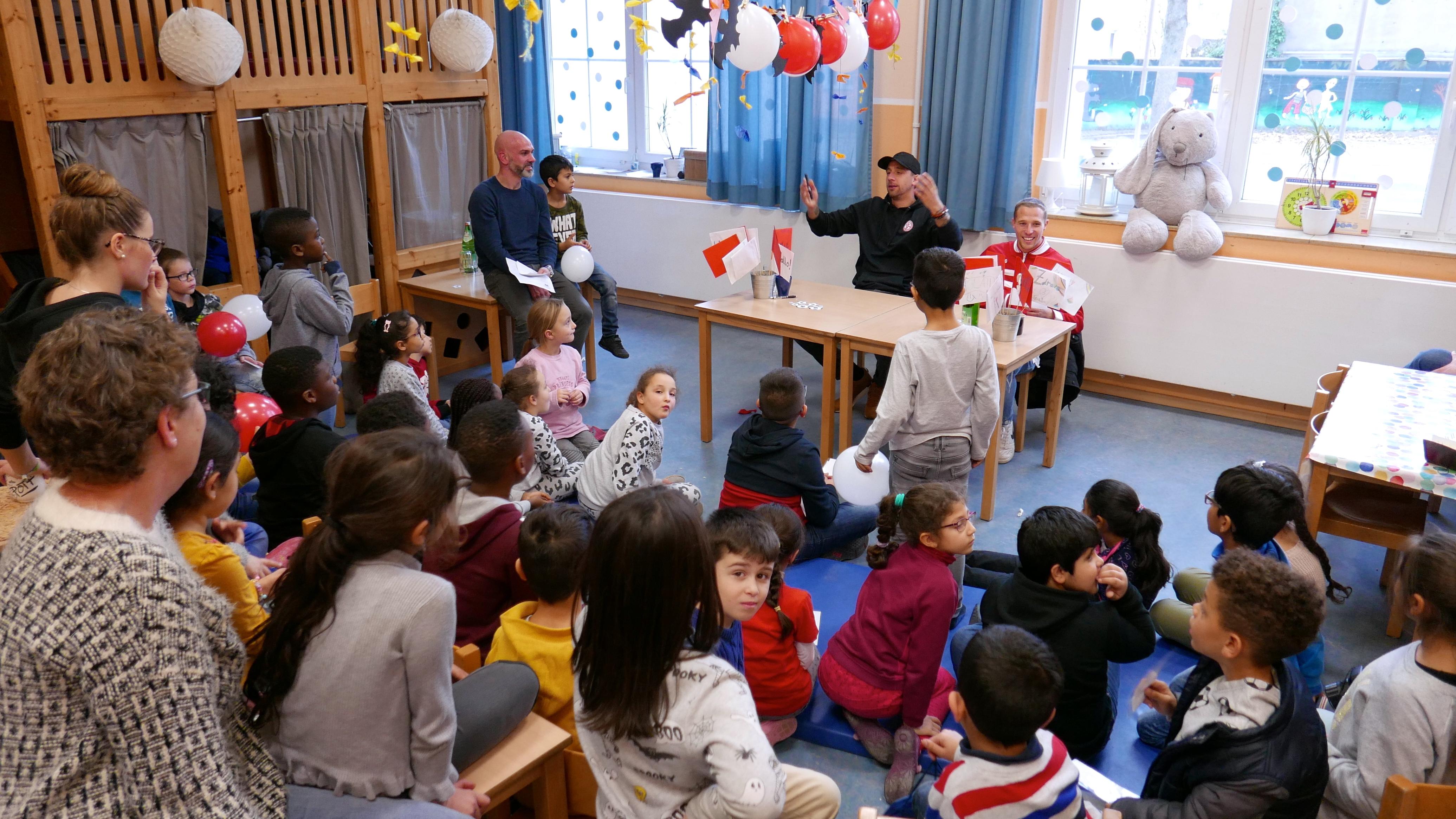 Die Pressekonferenz als fester Programmpunkt: die Kids machen sich Gedanken. (Fotos: Capitain/EC).
