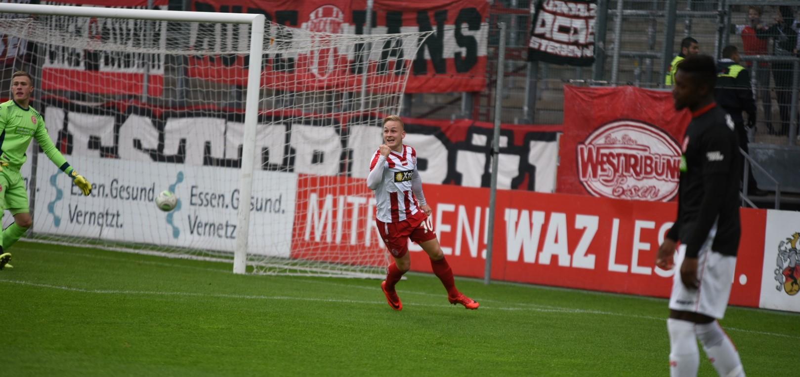 Unruheherd und Torschütze: Kai Pröger wurde am Ende mit stehenden Ovationen gefeiert. (Foto: Rotzoll)