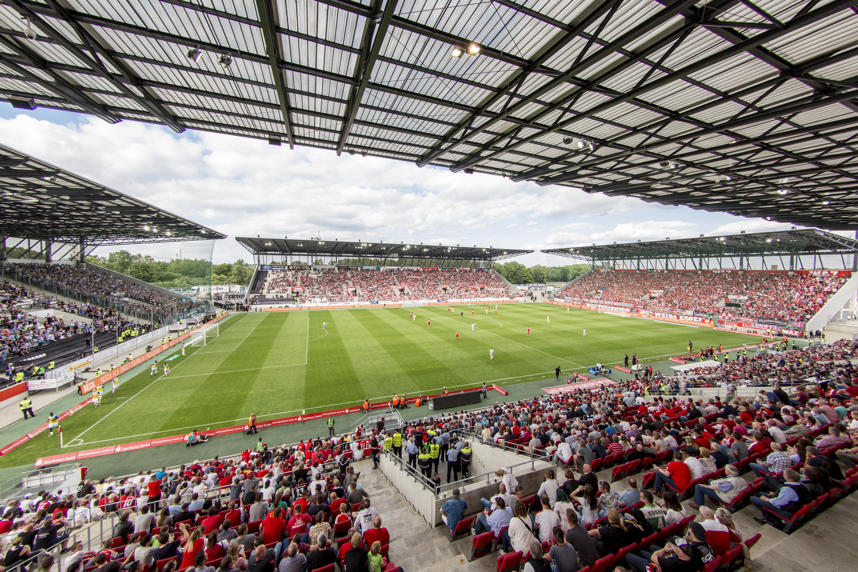 Rot-Weiss können sich bald ihren Stammplatz im Stadion Essen sichern.
